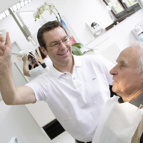 Tumorbehandlung: Veränderungen der Gesichtshaut und Mundhöhle nicht auf die leichte Schulter nehmen!