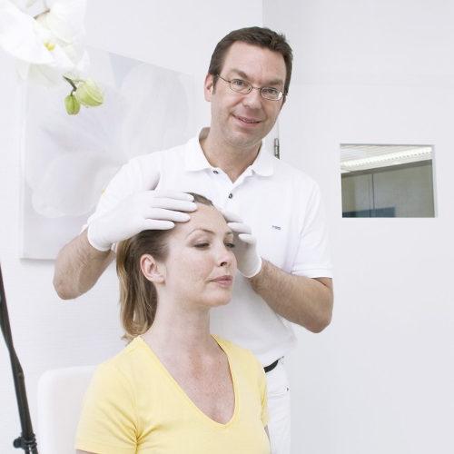 Kosmetische Chirurgie, plastische Chirurgie – Hauptsache schön?